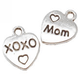 RTD-3904 - Mom XOXO Heart Charms